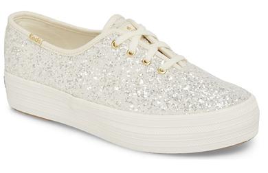 Sneakers sparkle white