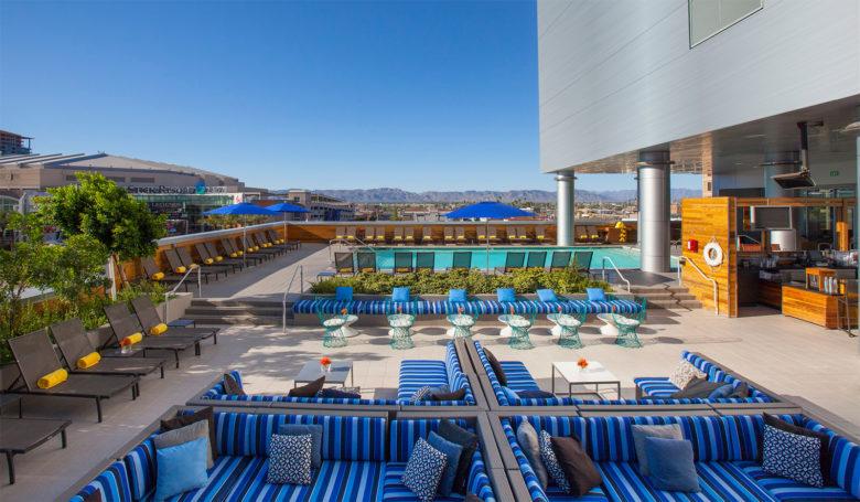 LUSTRE Rooftop Bar - Hotel Palomar Phoenix AZ