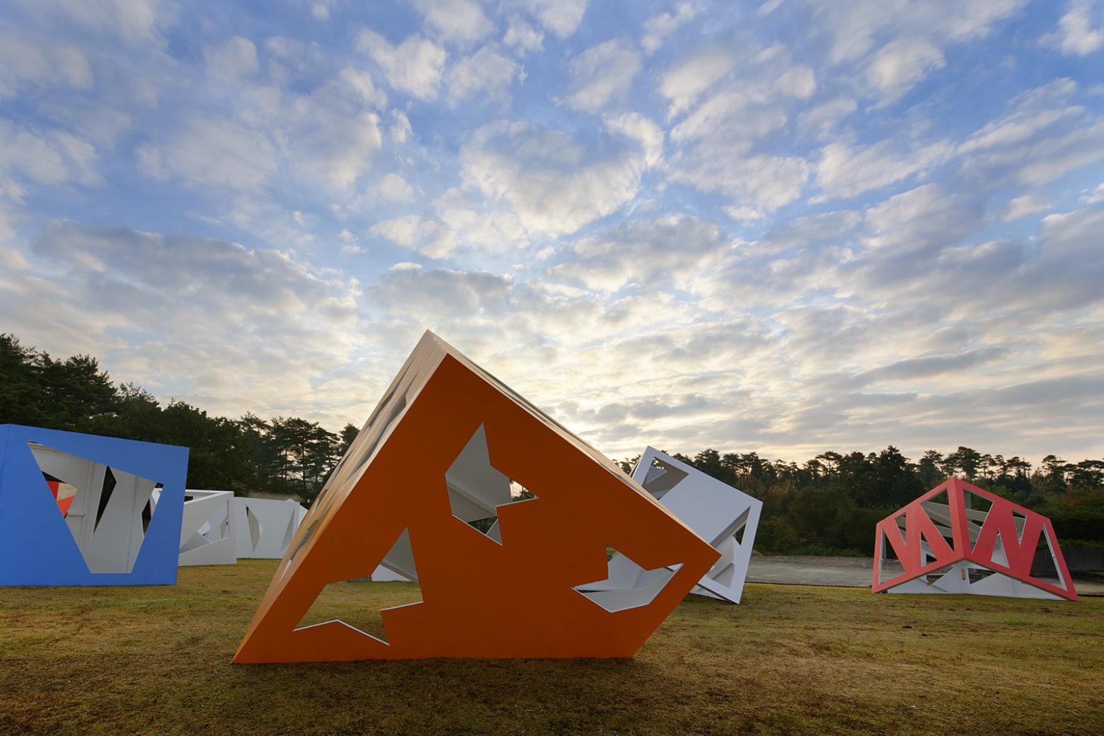 Moriyuki Ochiai outdoor art