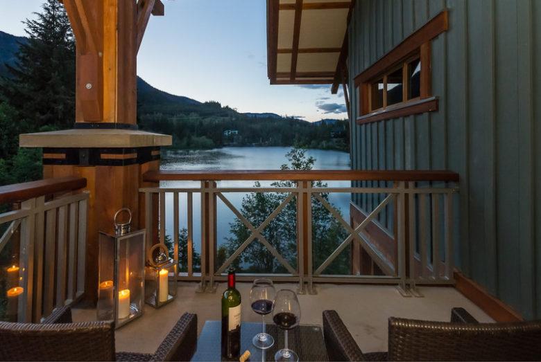 Nita Lake Lodge Whistler lake room