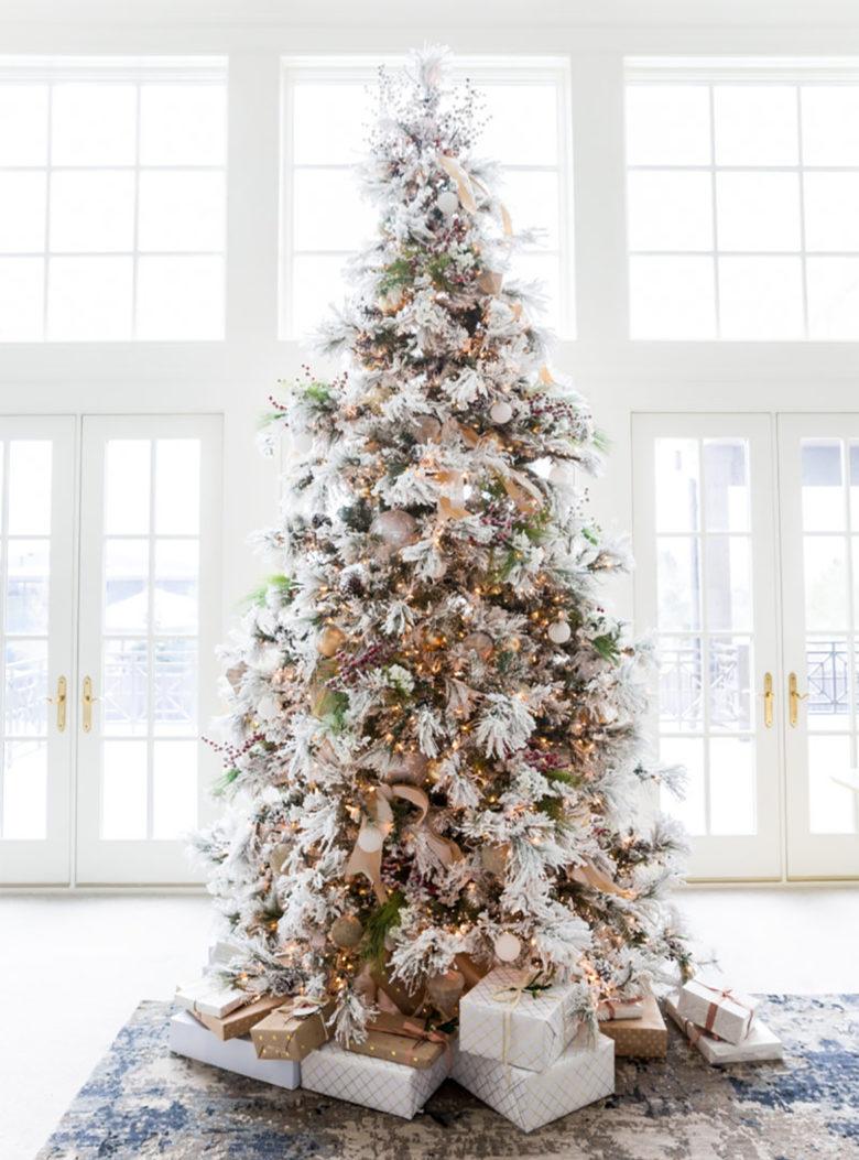 Traditional flocked elegant Christmas tree ideas