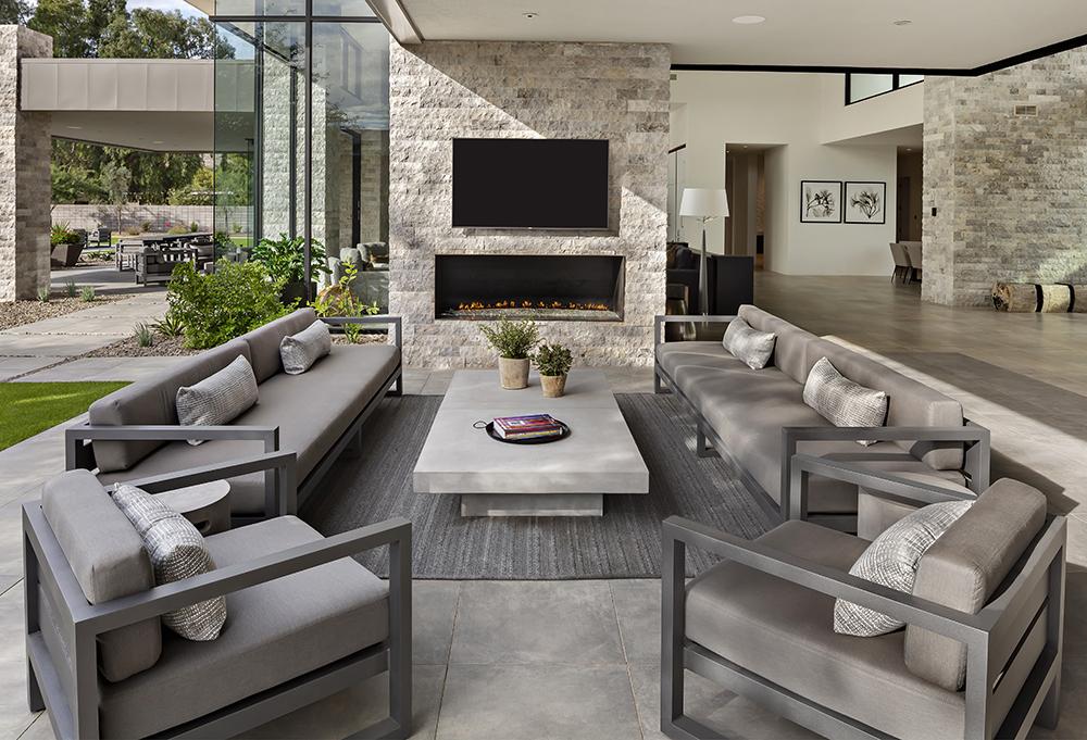 Modern oudoor living design Ownby Design