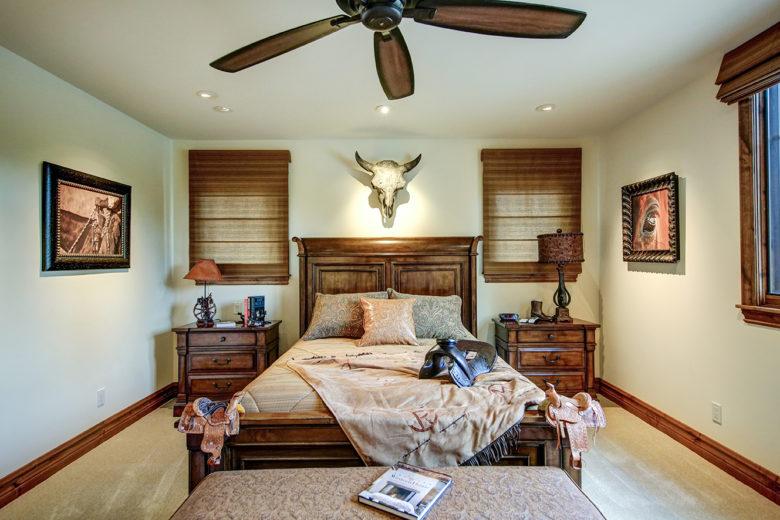 modern luxury cabin Pine Canyon Flagstaff Arizona
