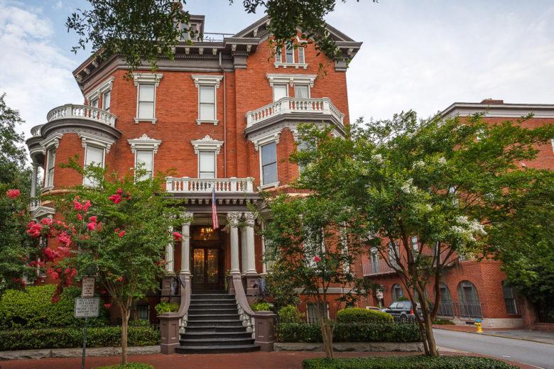 Kehoe House is a romantic hotel in Savannah GA
