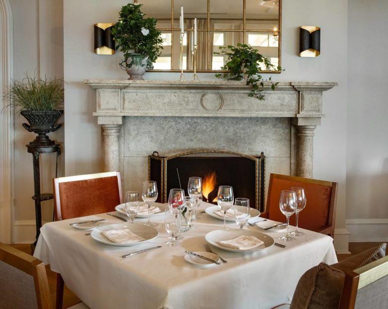 romantic hotel restaurant Cara at The Chanler at Cliff Walk