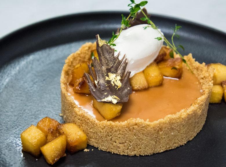 caramel panna cotta tart dessrt recipe by Chef Ana Garza