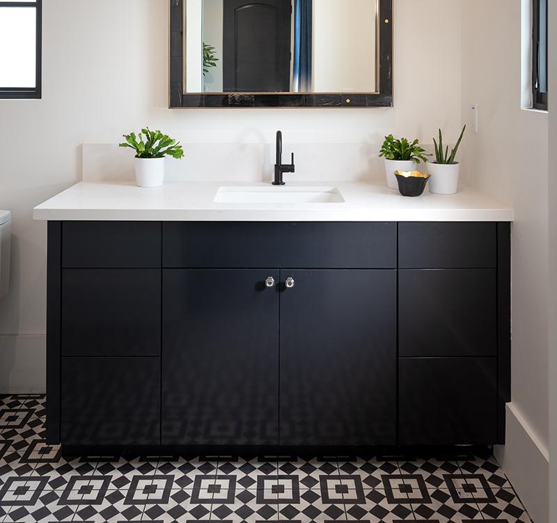 modern bathroom ICONIC HAUS 2020