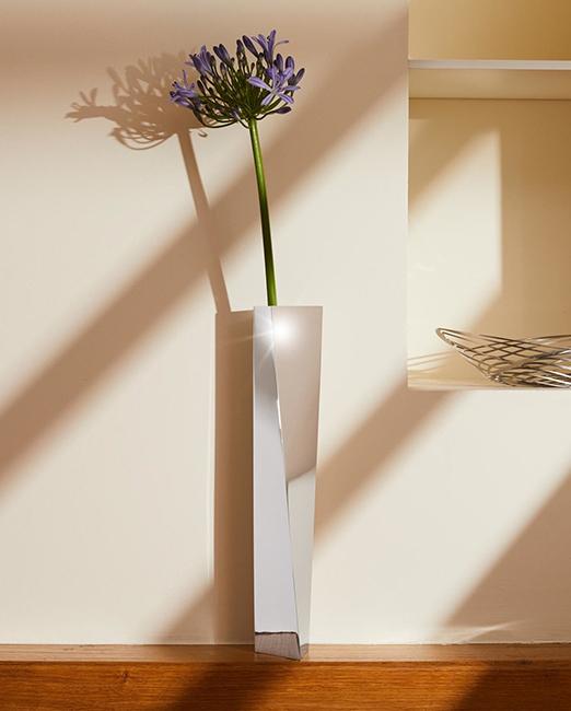 Zaha Hadid steel vase best gift for architects