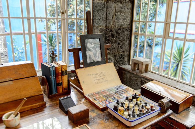 virtual museum tour of Frida Kahlo's home and art studio