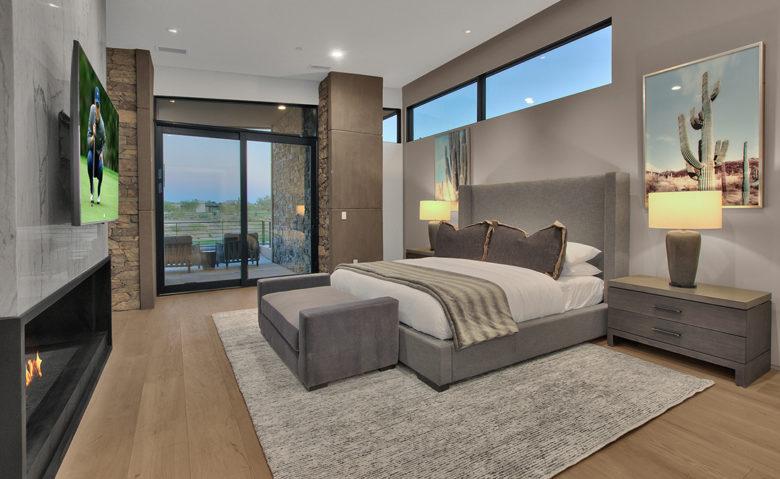 Scottsdale luxury custom home by Cullum builder