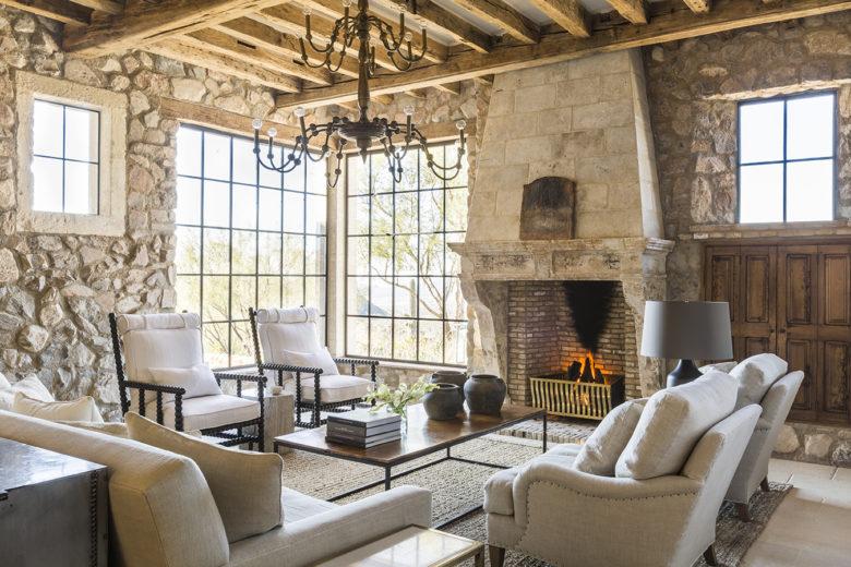 Arizona-modern-luxury-Mediterranean-patio-design.