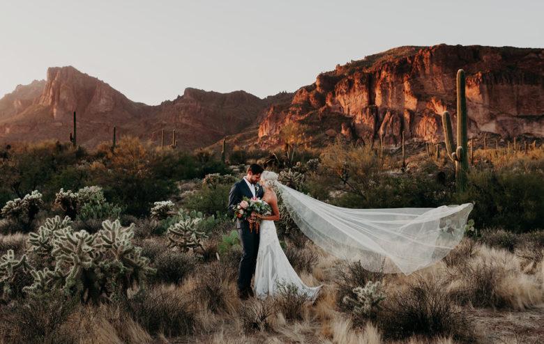 covid-desitnation-wedding-at-Superstition-Mountains-Arizona
