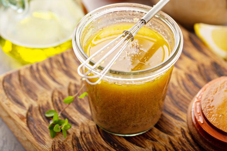healthy-super-food-apple-cider-vinaigrette-salad-dressing