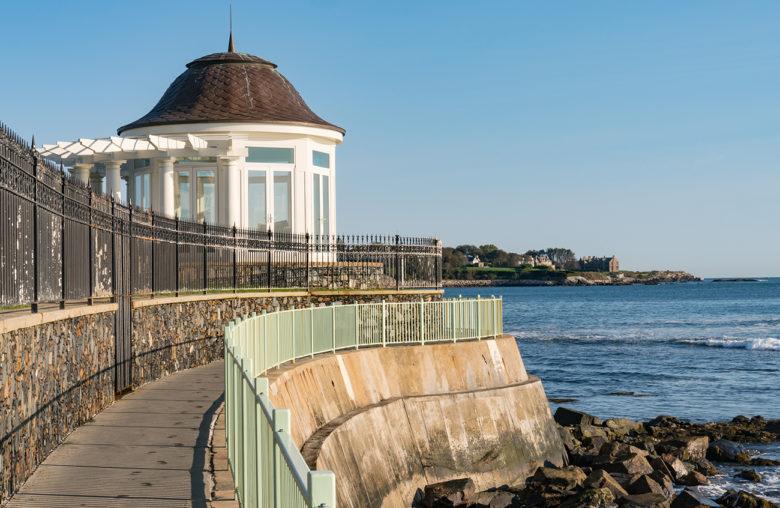 Cliff-Walk-thing-to-do-in-Newport-RI