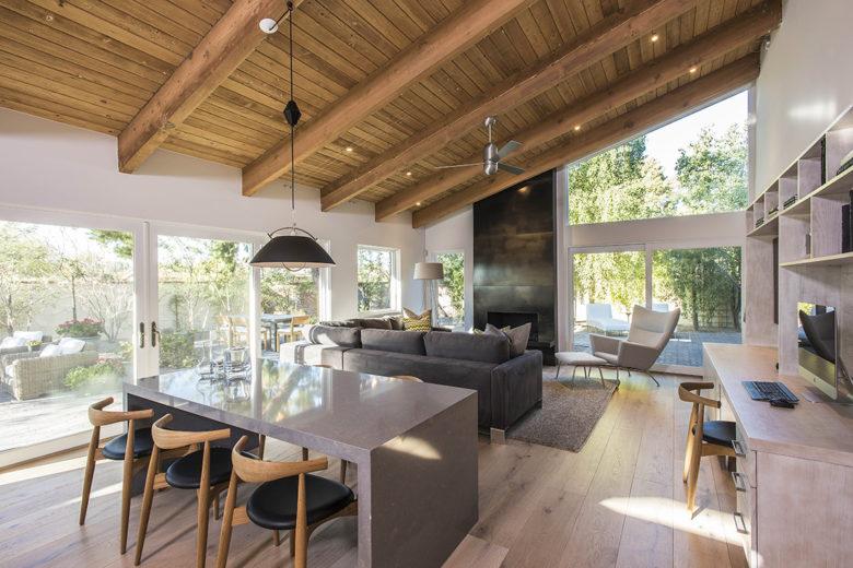 Maria Zambrano designs modern retreat