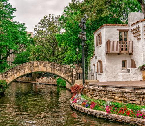 Arneson,River,Theatre,Along,The,San,Antonio,Riverwalk